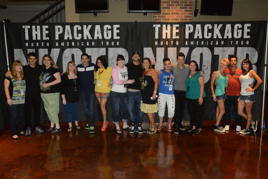 nkotb meet and greet photos 2011